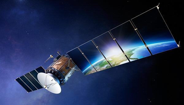 Imagen digital de un satélite sobre el planeta Tierra