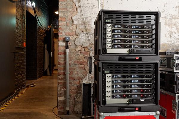 Racks de Sennheiser EM 6000 con tecnología DANTE