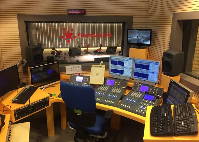 Consola de mezclas AEQ Arena instalada en Onda Madrid
