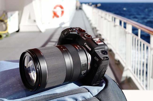 Fotografía del objetivo RF 24-240 MM F4 -6,3 IS USM de Canon