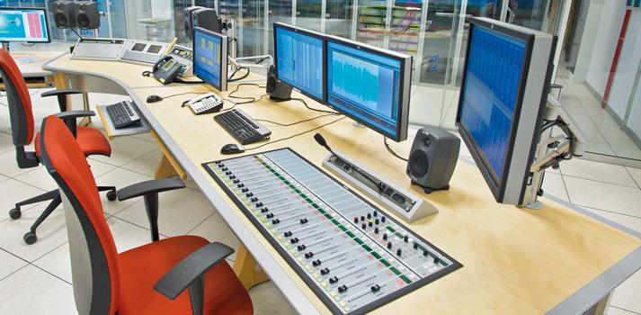 Mesa de sonido y software de edición Radio Nacional de España