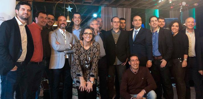 Equipo de Crosspoint en la fiesta celebración de su 25º aniversario