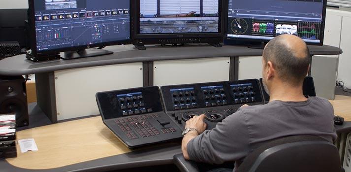 Sala de etanolaje con un técnico trabajando en 8madrid TV