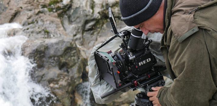Cámara Red empleada durante la grabación de una de las películas de Bitis Documentales