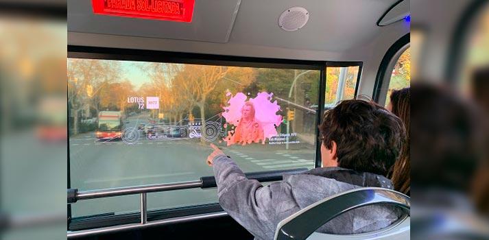 Pantallas proporcionando soluciones de Realidad Aumentada en autobus de TMB con tecnología de Mediapro y Telefónica