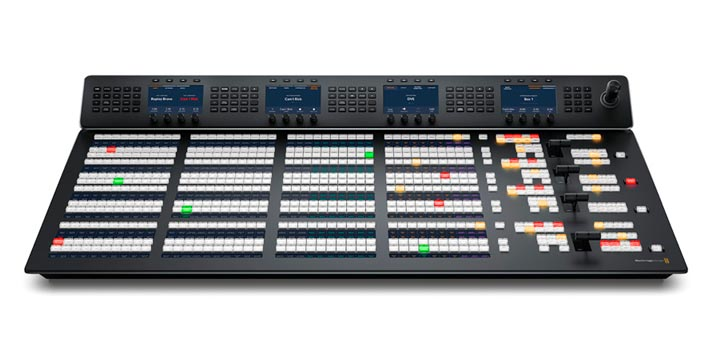 Vista frontal de los paneles ATEM Advanced Panels de Blackmagic Design